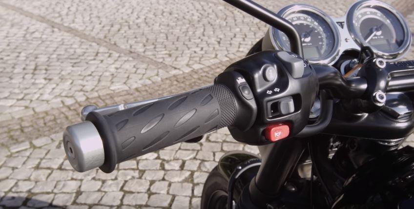 courtier assurance moto
