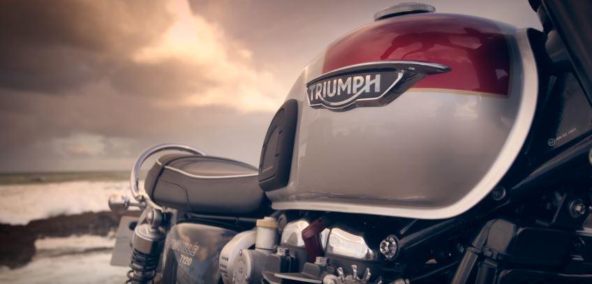 triumph assurance moto